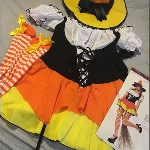 Size medium women's which outfit costume